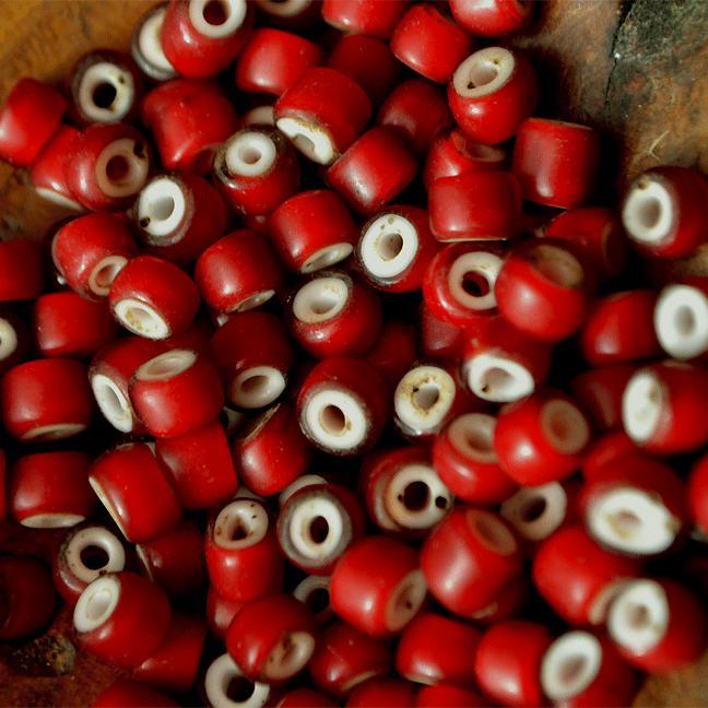Antique White hearts Beads (アンティーク ホワイトハート ビーズ 血赤 オールドベネチアン)