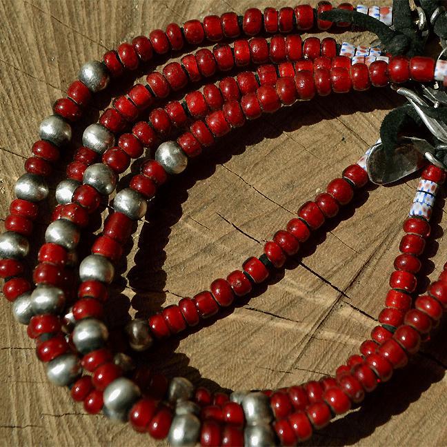 Antique white hearts Beads bracelet (アンティーク ホワイトハート ブレスレット 血赤 オールドベネチアン)