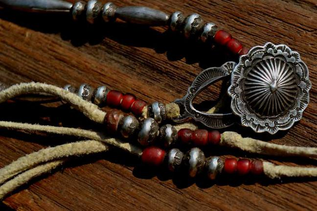Antique white hearts × TQ Beads Necklace ( アンティーク ホワイトハート ビーズ 血赤 オールドベネチアン)